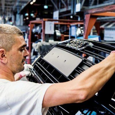 fabrica-britanica-pmi-atinge-maximul-de-trei-ani-in-decembrie