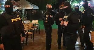 colindatori-amendati-si-petreceri-sparte-de-politie.-chefliii-s-au-dat-de-gol-dupa-ce-au-postat-pe-facebook