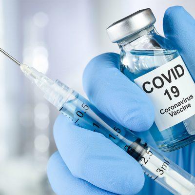 93-de-buzoieni-s-au-vaccinat-anti-covid,-in-prima-zi-a-campaniei-de-imunizare.-la-spitalul-judetean,-cererea-de-vaccin-e-peste-asteptari