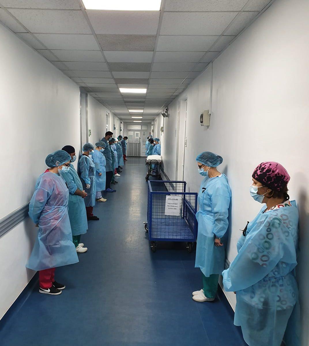 ce-gest-au-facut-cadrele-spitalului-judetean-buzau,-in-memoria-asistentei-care-a-murit-de-covid-19-dupa-o-nastere