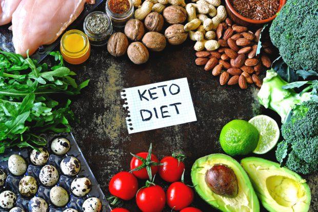 dieta-keto-–-cum-functioneaza-si-ce-alimente-sunt-permise-in-dieta-ketogenica
