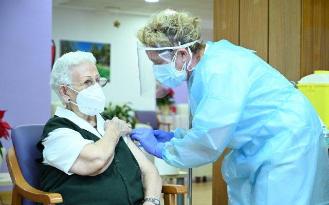 vezi,-aici,-daca-te-incadrezi-in-etapa-a-doua-de-vaccinare-anti-covid.-lista-cu-cei-care-se-pot-imuniza-dupa-15-ianuarie