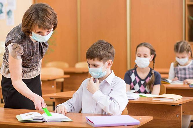 studenti-la-catedra,-in-lipsa-cadrelor-didactice-calificate.-este-solutia-la-care-a-apelat-isj-buzau-dupa-valul-de-pensionari-in-plina-pandemie