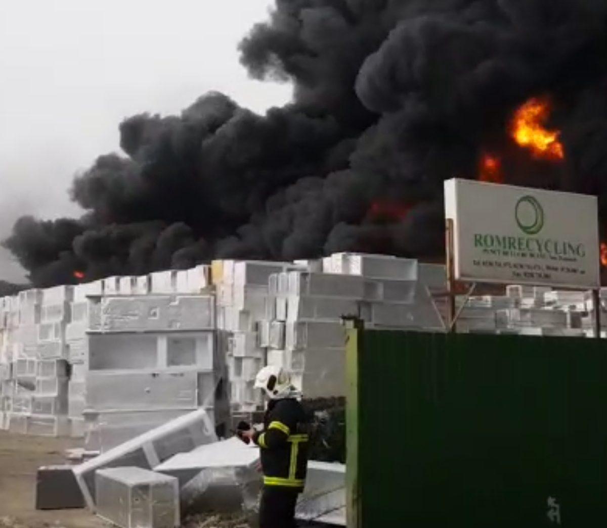 reciclatorul-green-weee,-despre-incendiul-violent-de-la-buzau:-flacarile,-produse-de-scantei-mecanice,-in-timpul-operarii-unui-utilaj