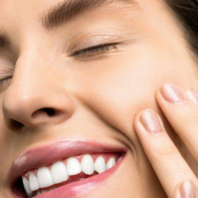 dinti-albi-versus-dinti-galbeni.-10-sfaturi-pentru-un-zambet-stralucitor